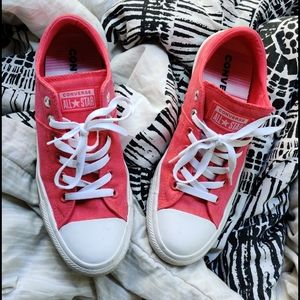 Converse Pink size 9